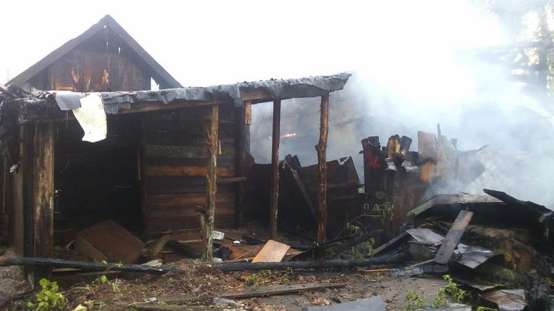 За выходные в Котовске сгорели 9 сараев