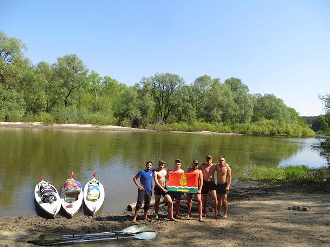 Котовские байдарочники совершили «победный» сплав по реке Вороне