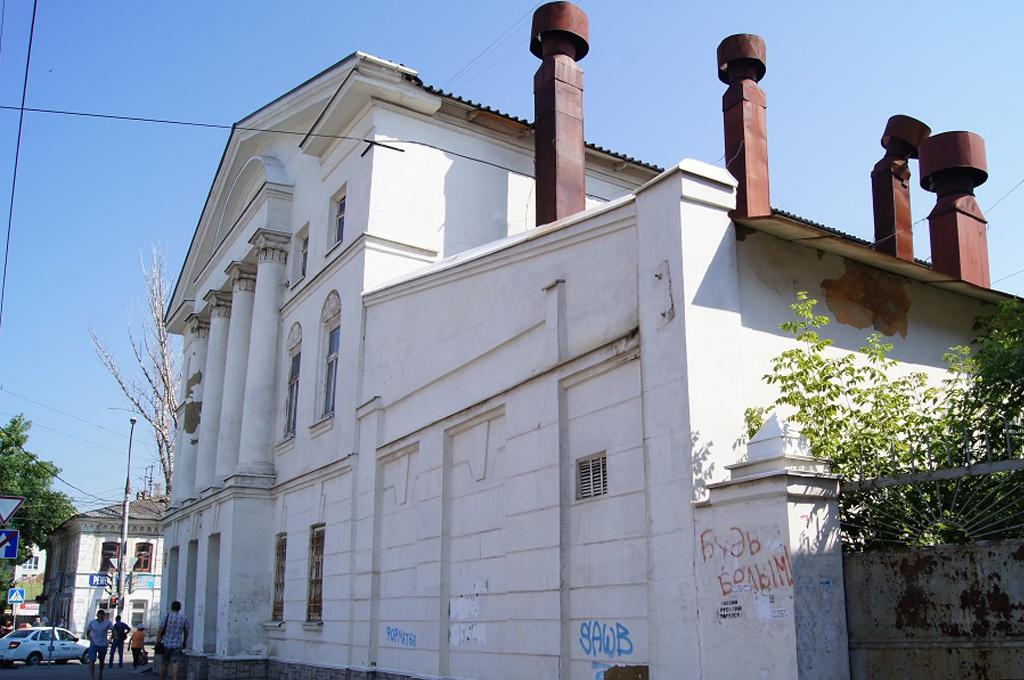 Здание бывшего хлебозавода в Тамбове реконструирует подрядчик, проигравший в Котовске торги по сносу средней школы