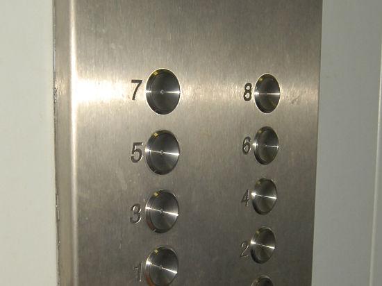 В Котовске запустили лифты, замененные после капремонта