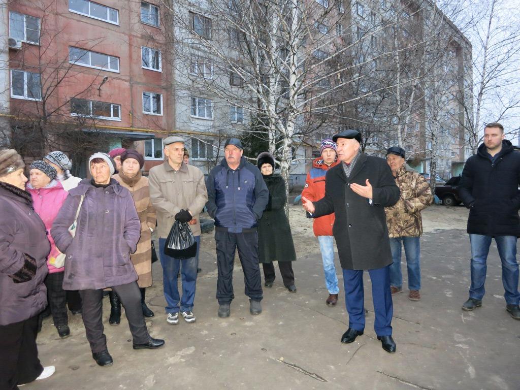 Плахотников оспаривает в суде отказ полиции возбуждать дела против коммунистов