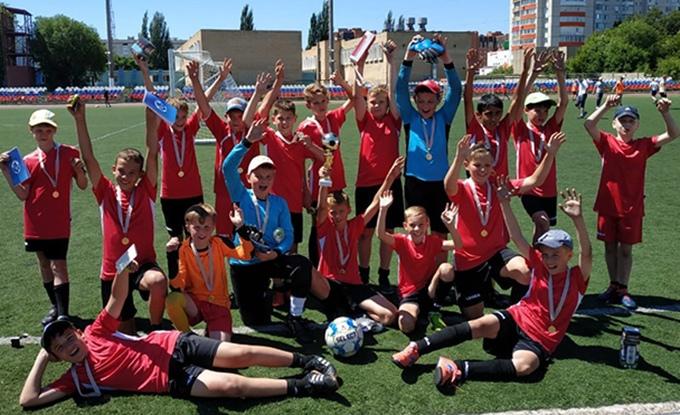 Юные футболисты из Котовска выиграли товарищеский турнир в Тамбове