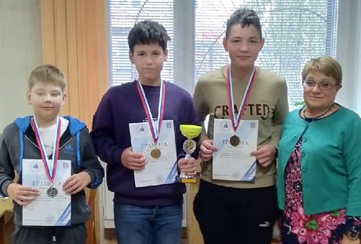 Юные котовские шахматисты заняли четыре призовых места на детско-юношеском первенстве Тамбовской области.
